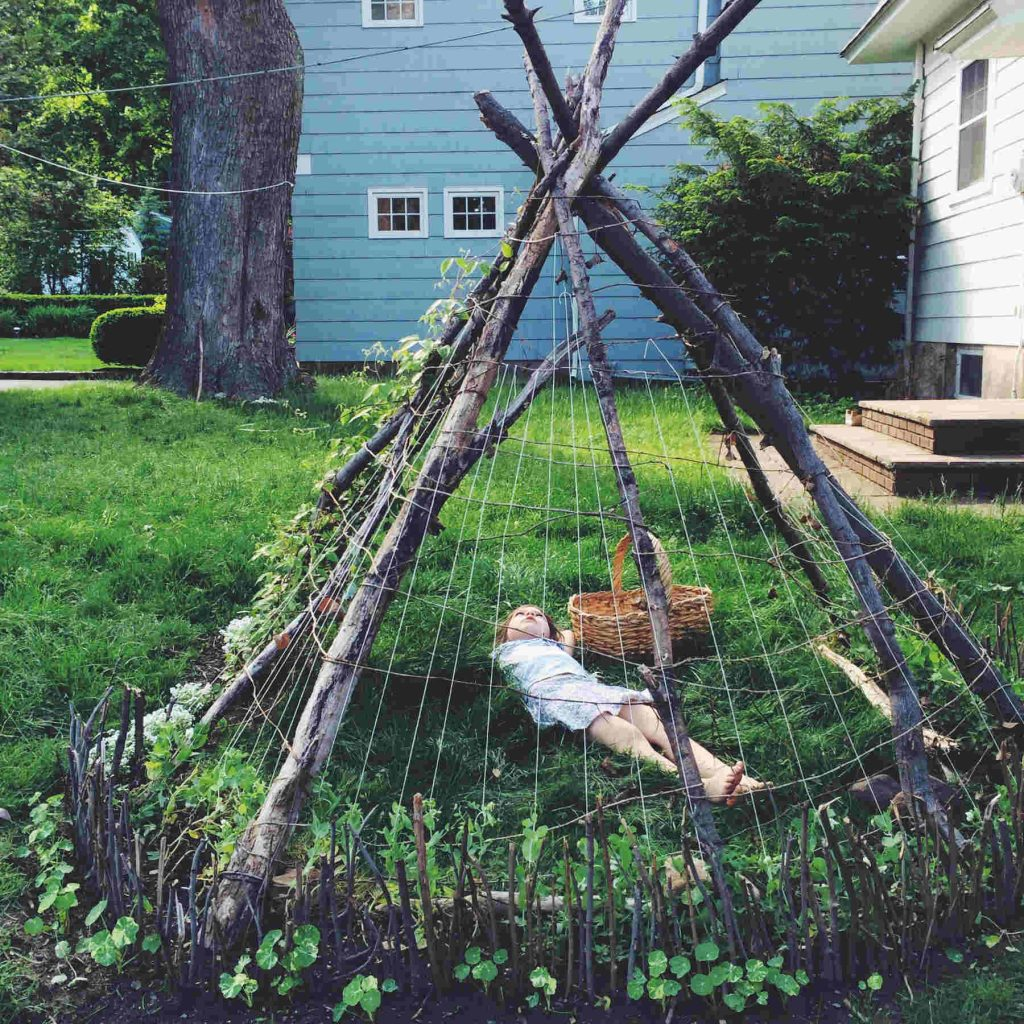 bean tepee build